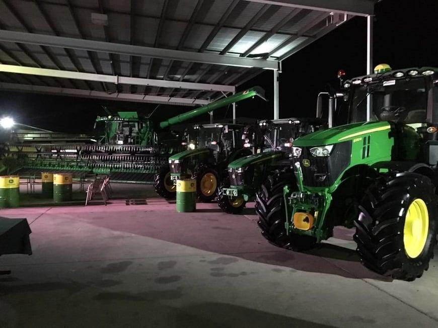 New product John Deere_6R Tractor-2.jpg