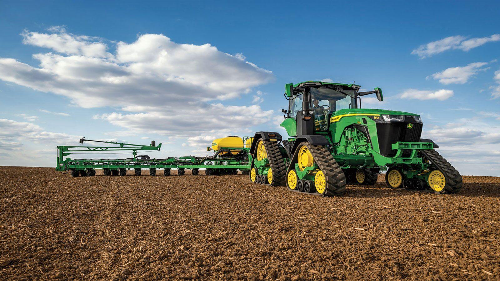 8rx-370-tractor-1600x900-imagegalleryjpg